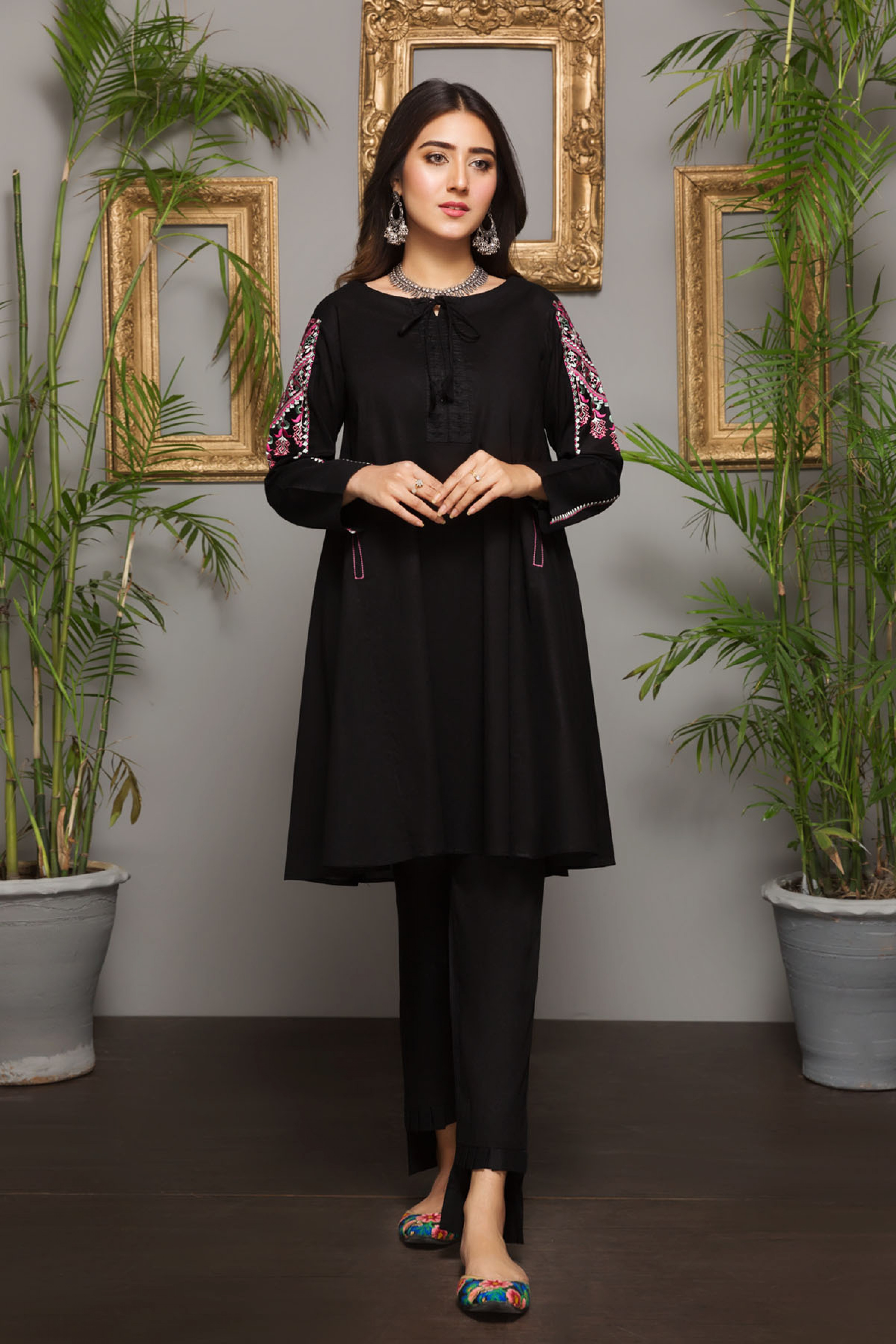 MINI ORCHID (EMBROIDERED KURTA)