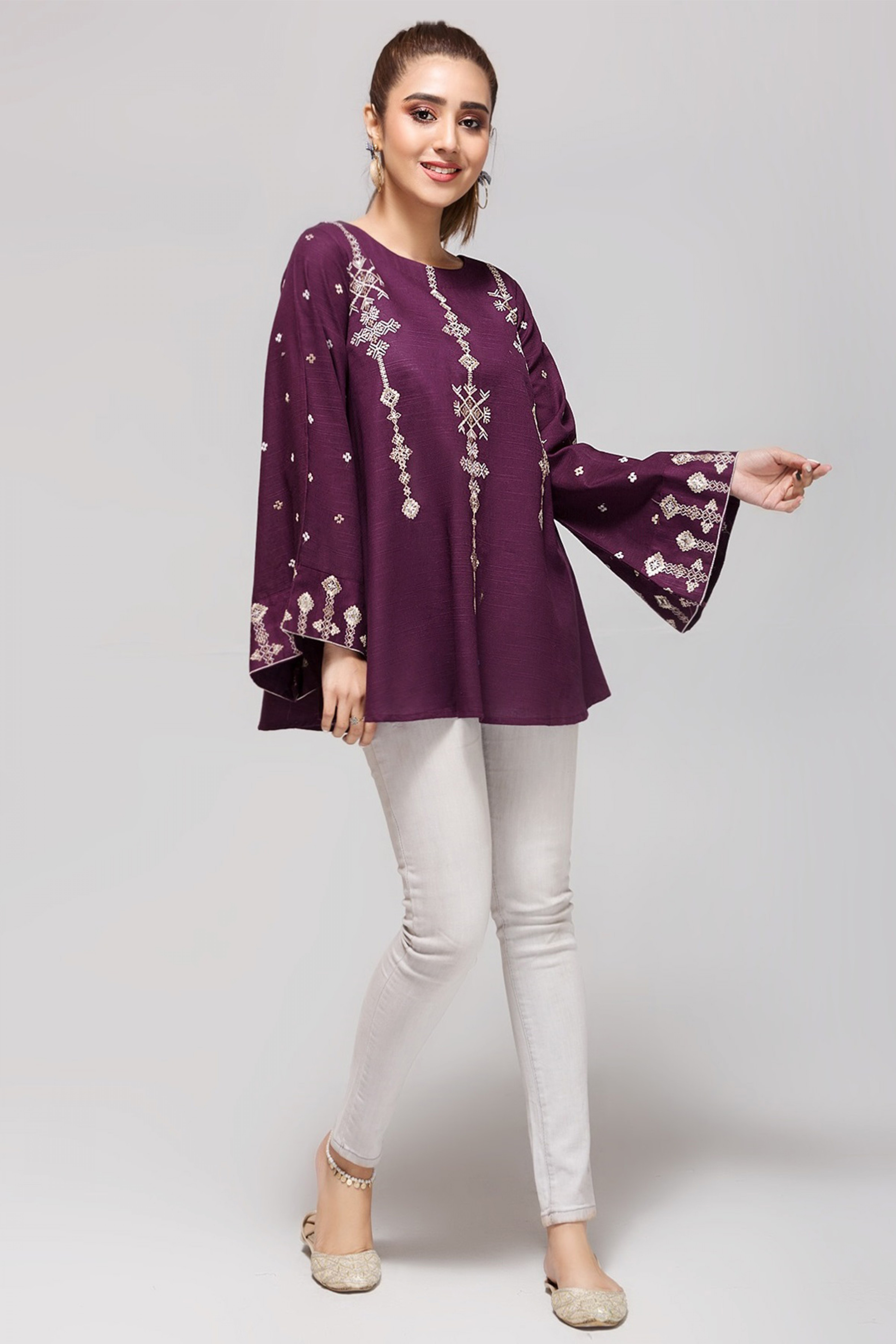 PERIWINKLE(Embroidered Top)