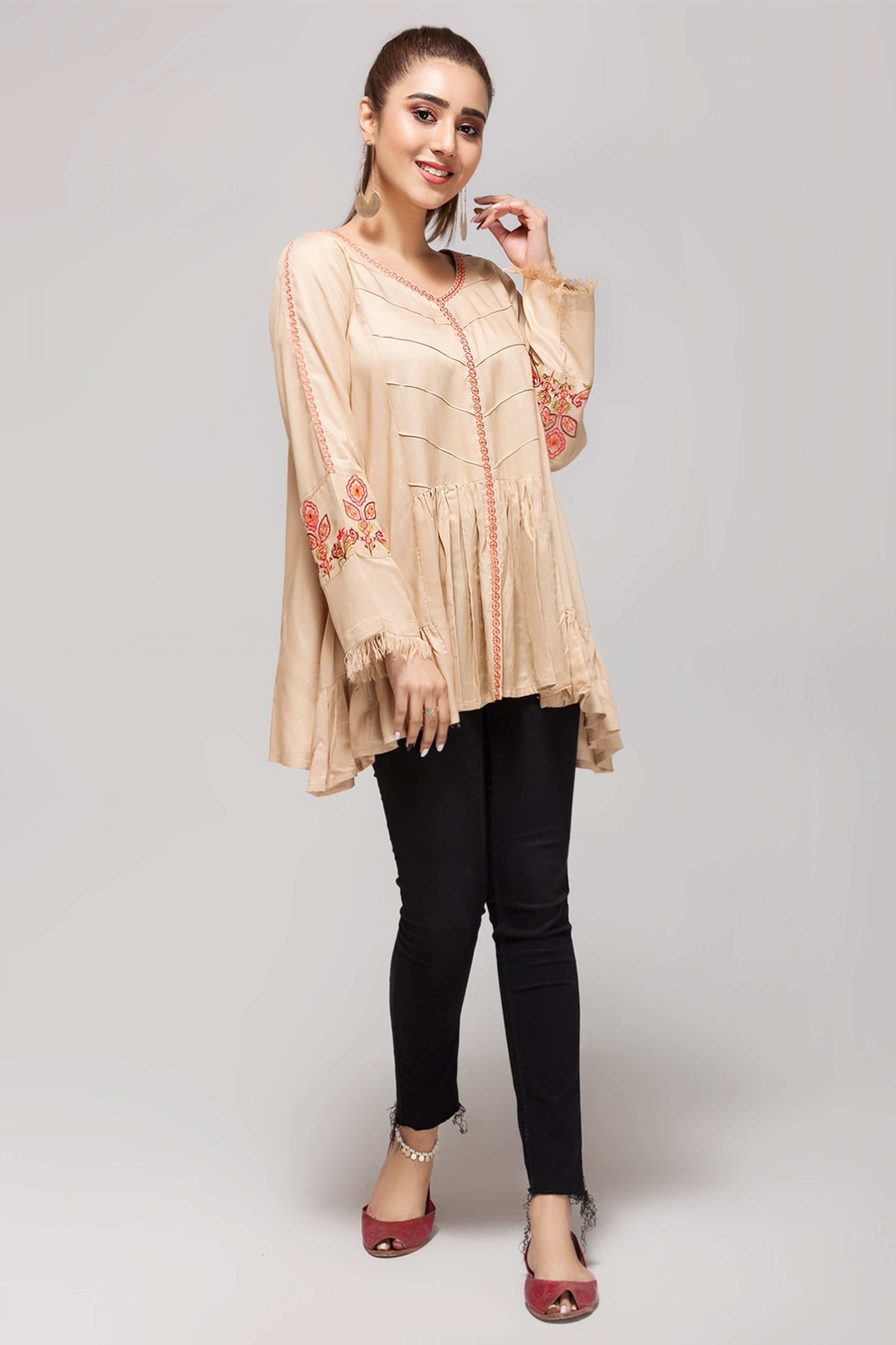 IVORY SPARKLE(Embroidered Top)