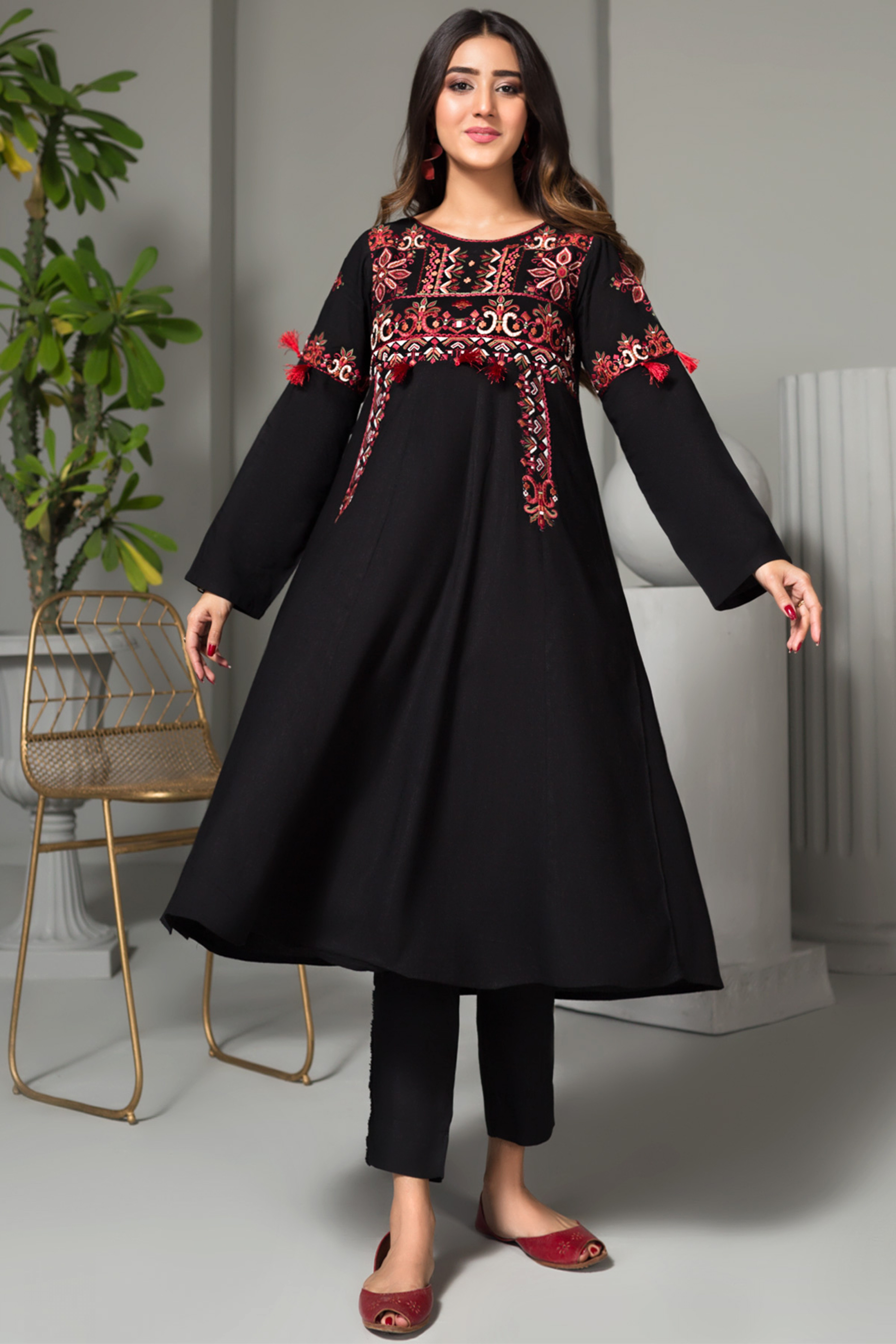 AFTER DARK(Embroidered Kurta)