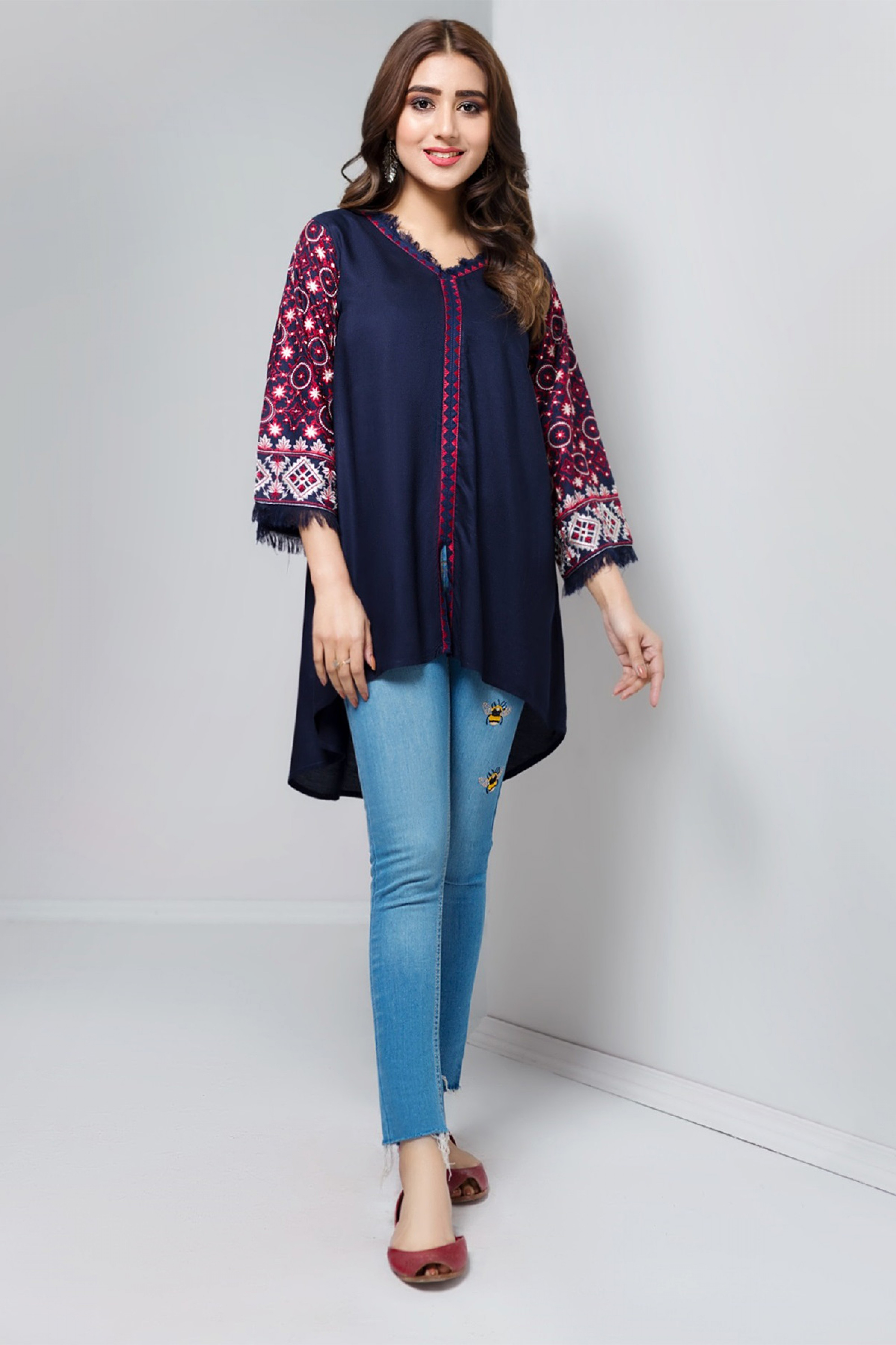 DAZZLING BLUE(Embroidered Top)