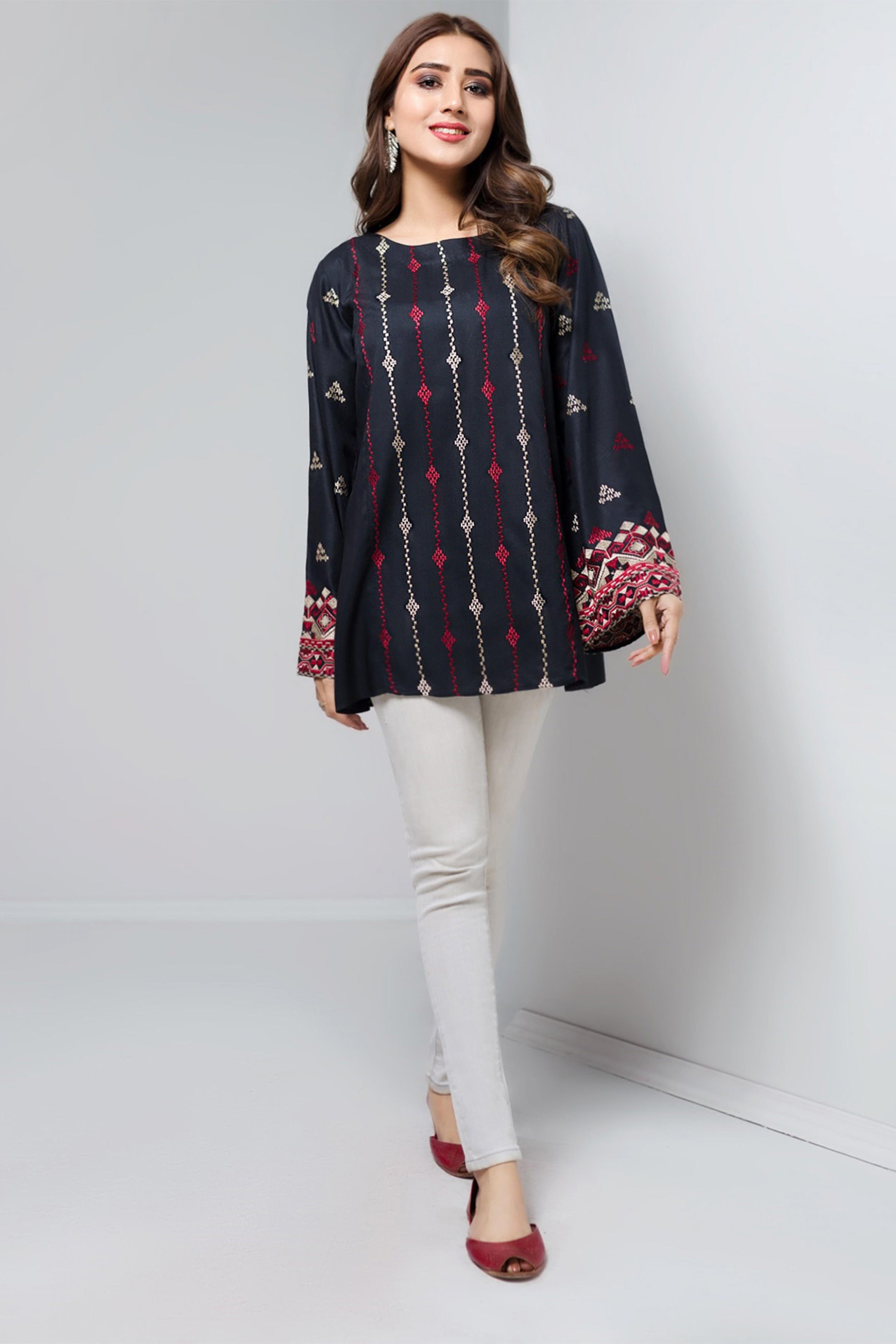 RADIANT BLACK(Embroidered Top)