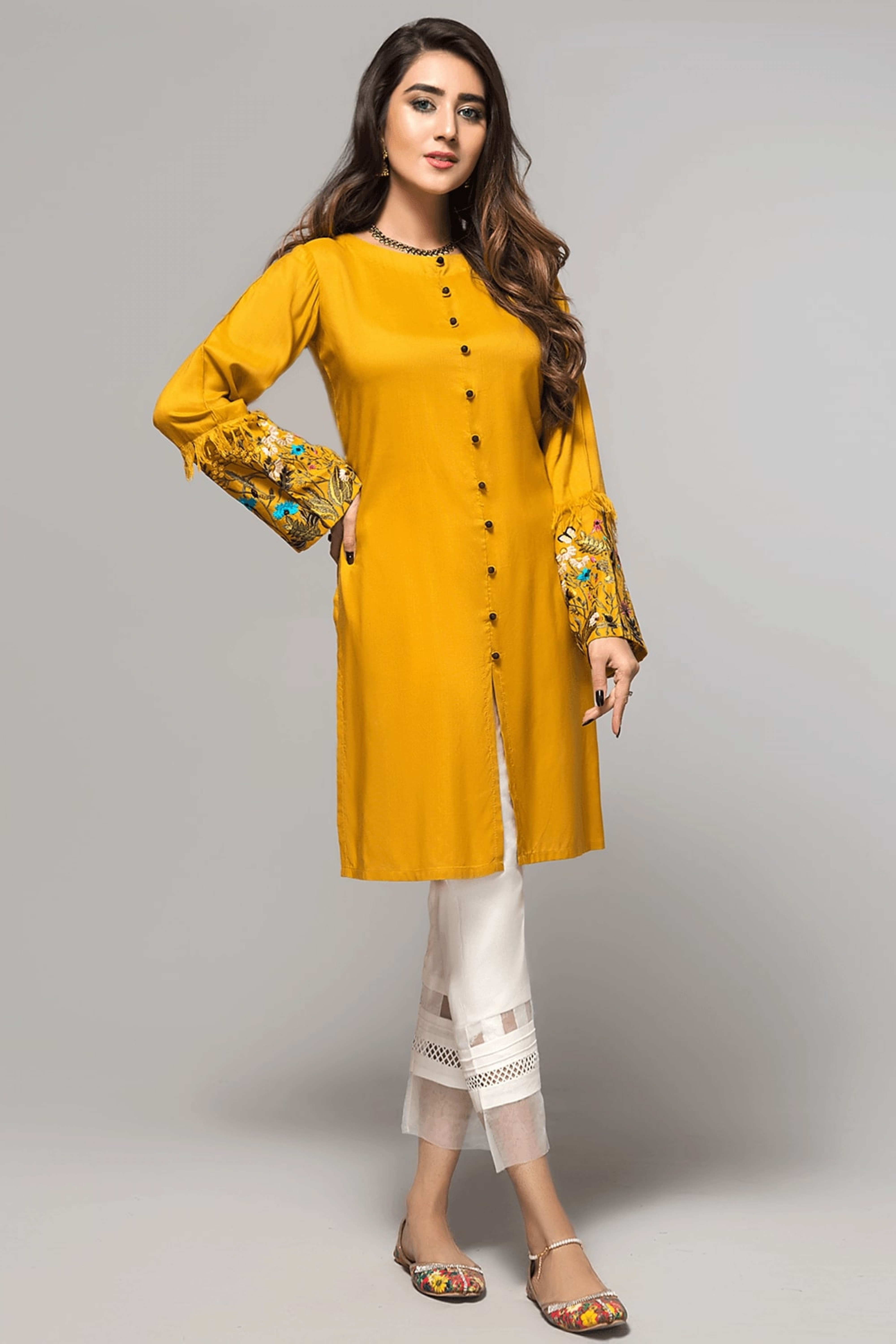 GORGEOUS GARDENIA(Embroidered Kurta)