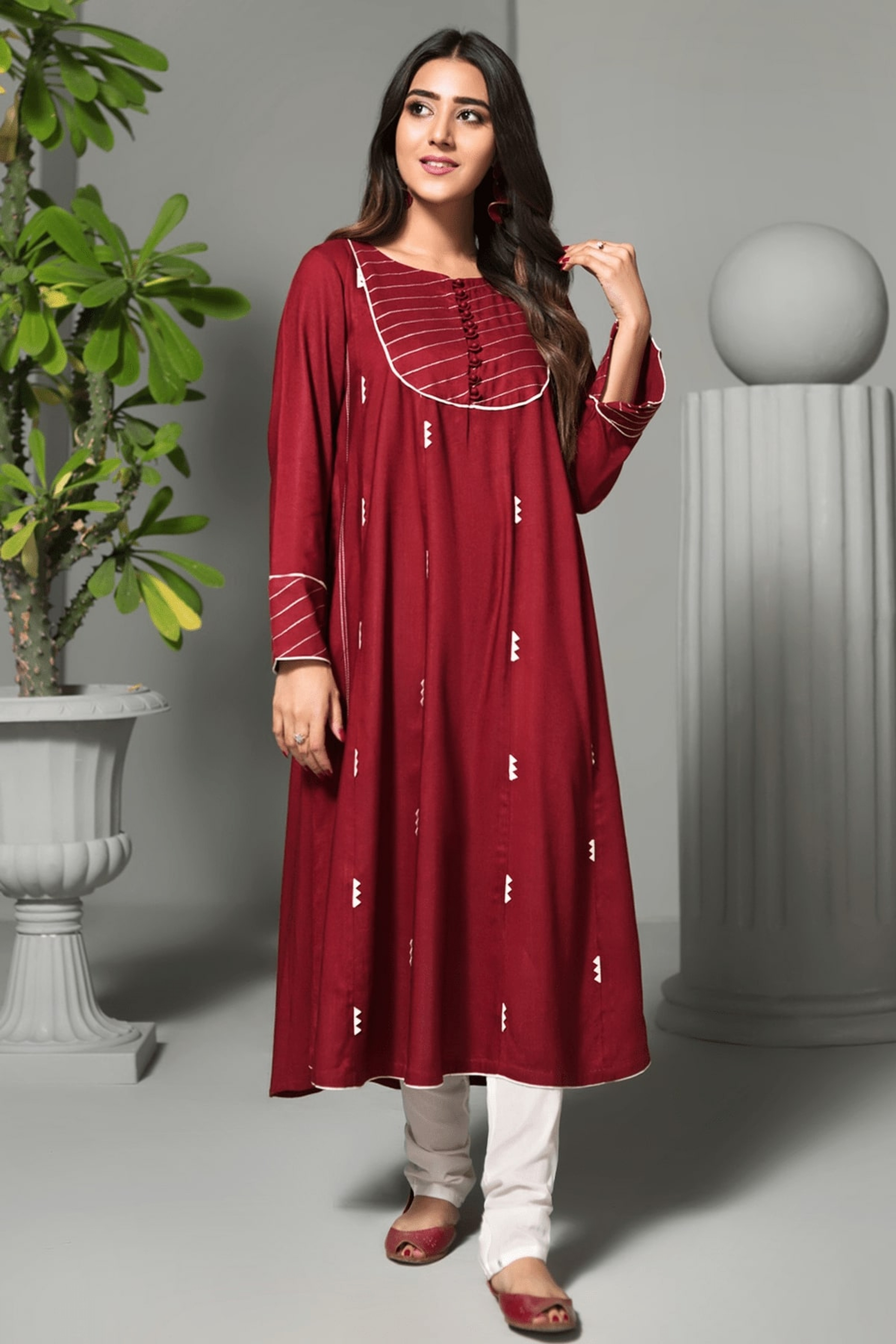 RED WOOD(Embroidered Frock)