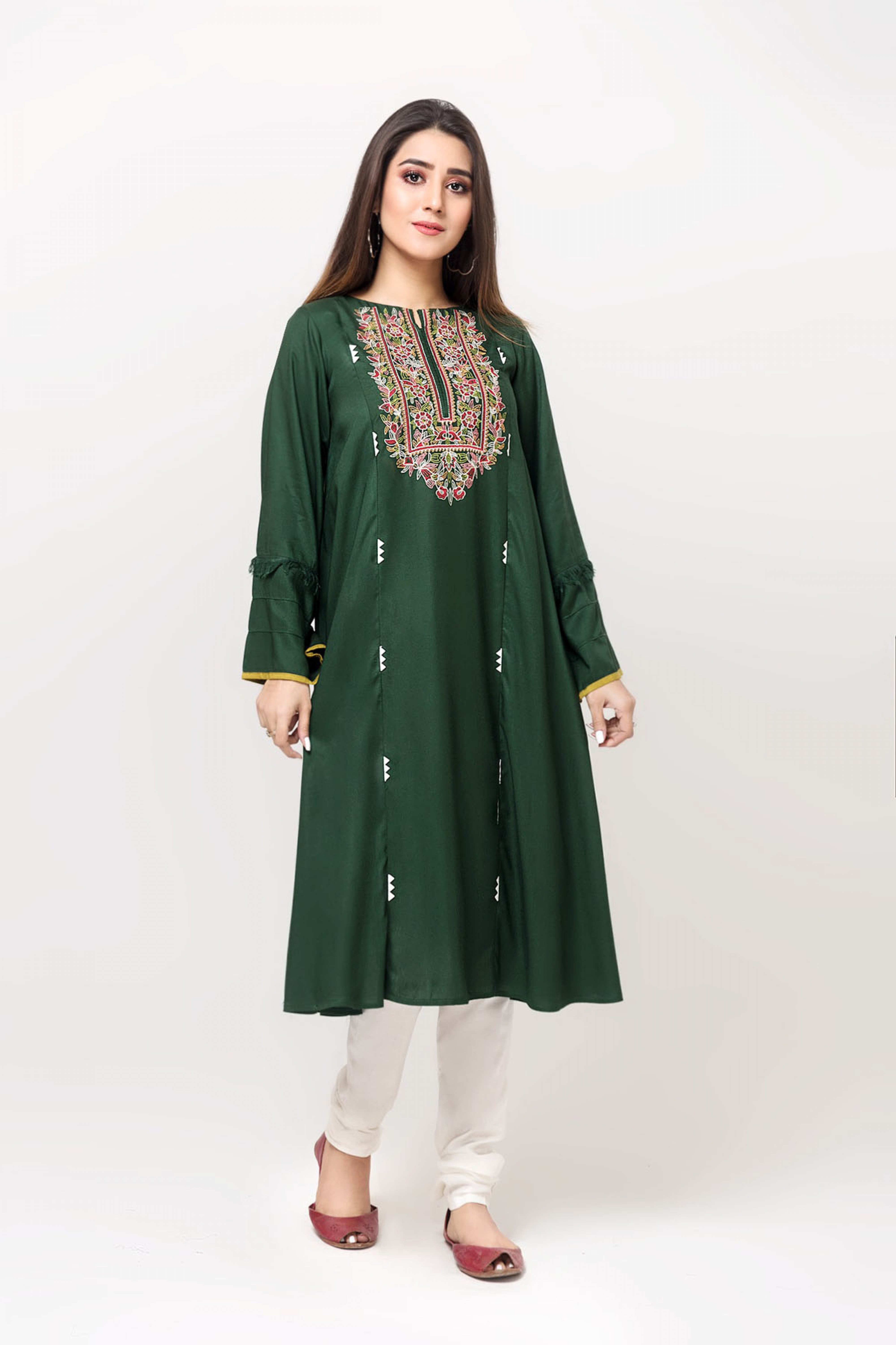PERFECT GREEN(Embroidered Kurta)