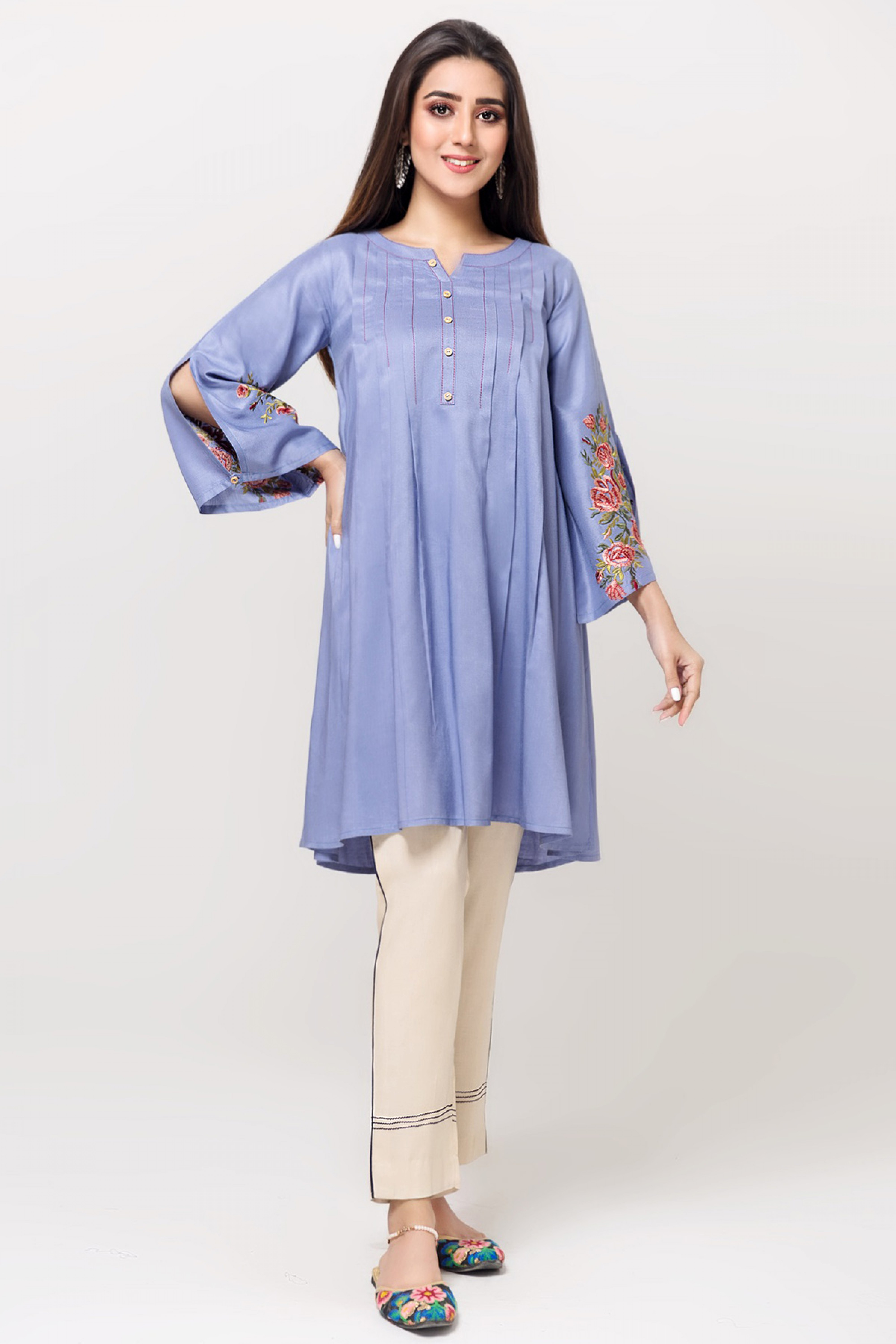 VINTAGE DOVE(Embroidered Kurta)