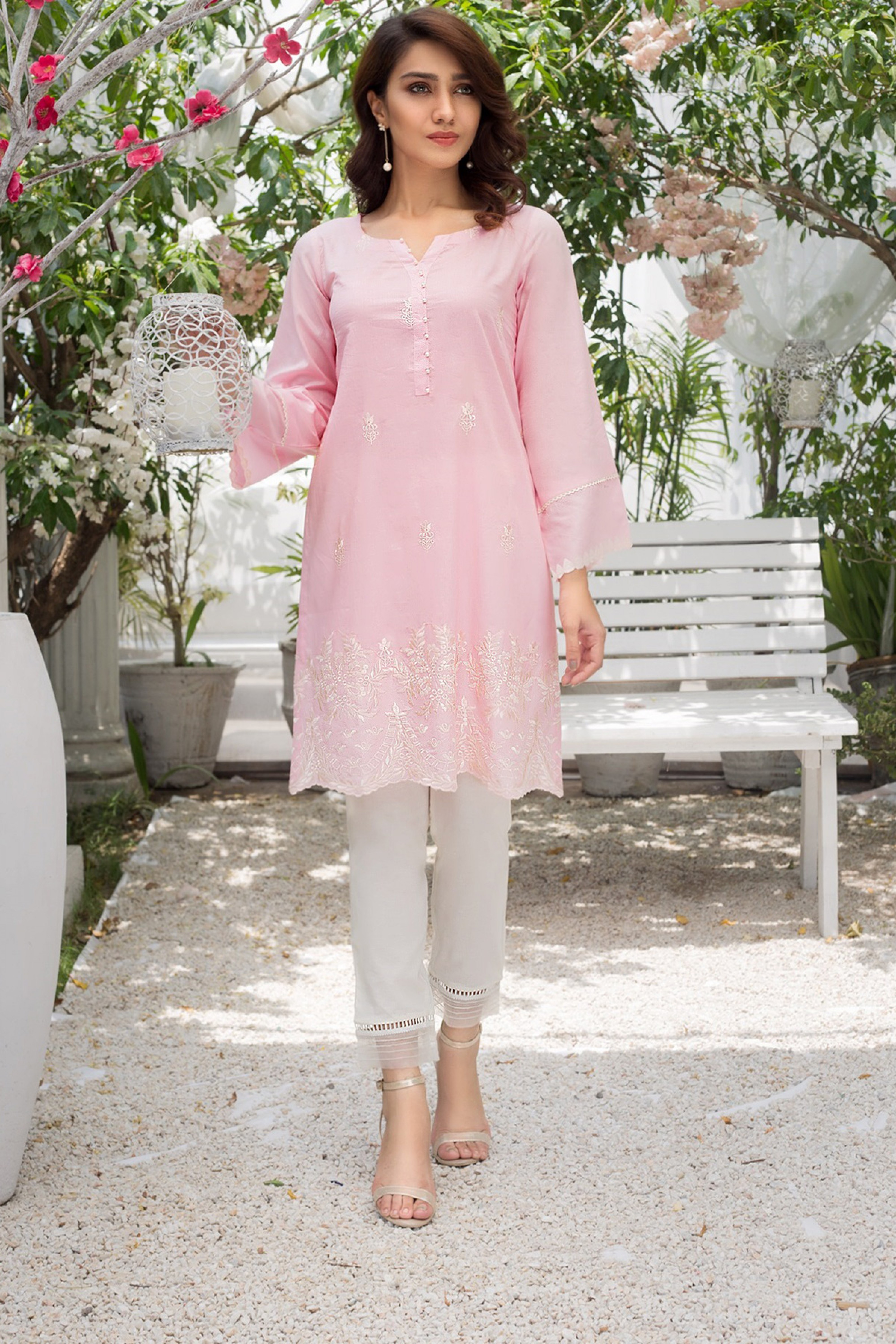 PINK BLOSSOM(Embroidered Shirt)