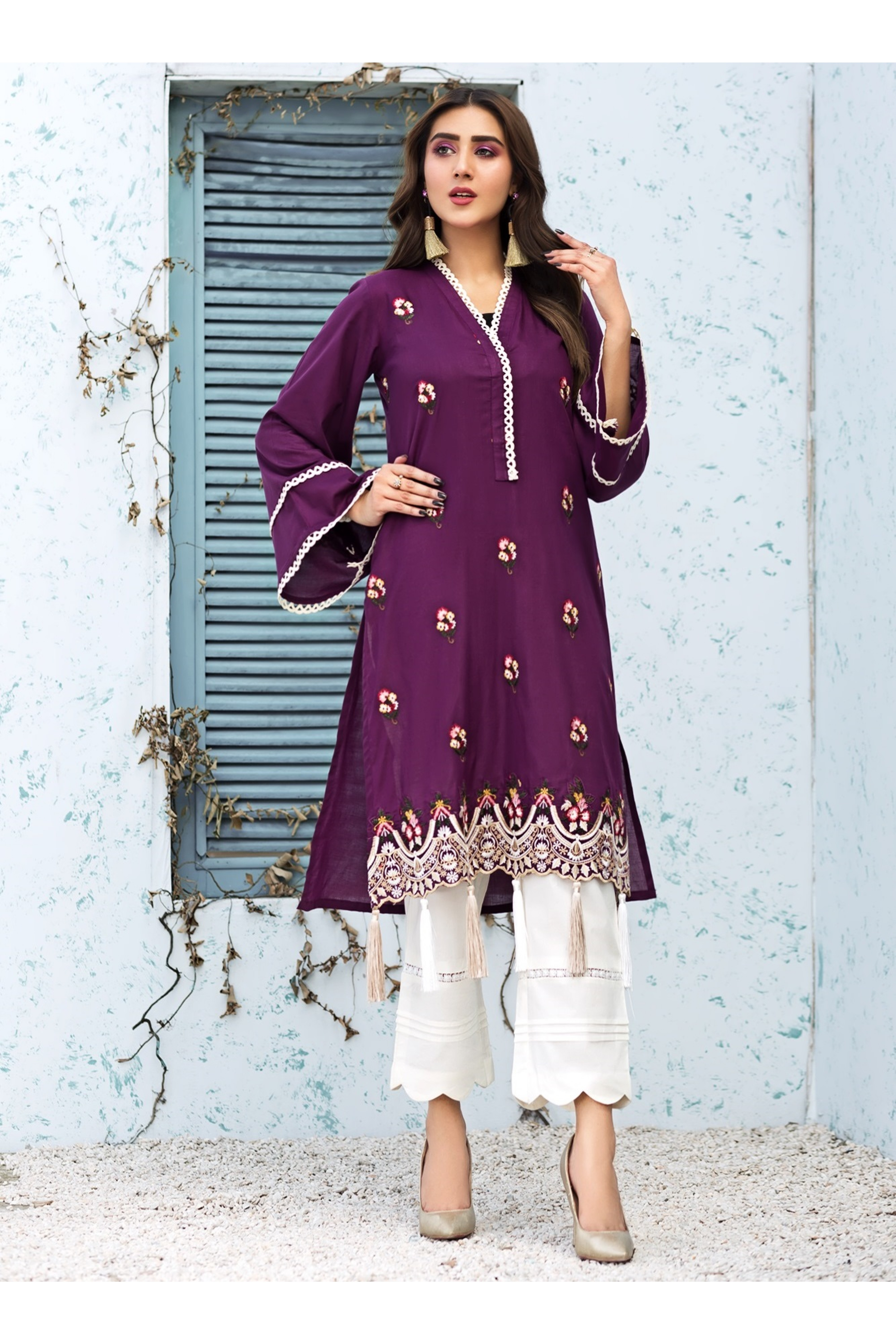 TAMANA(Unstitched Emb Shirt)