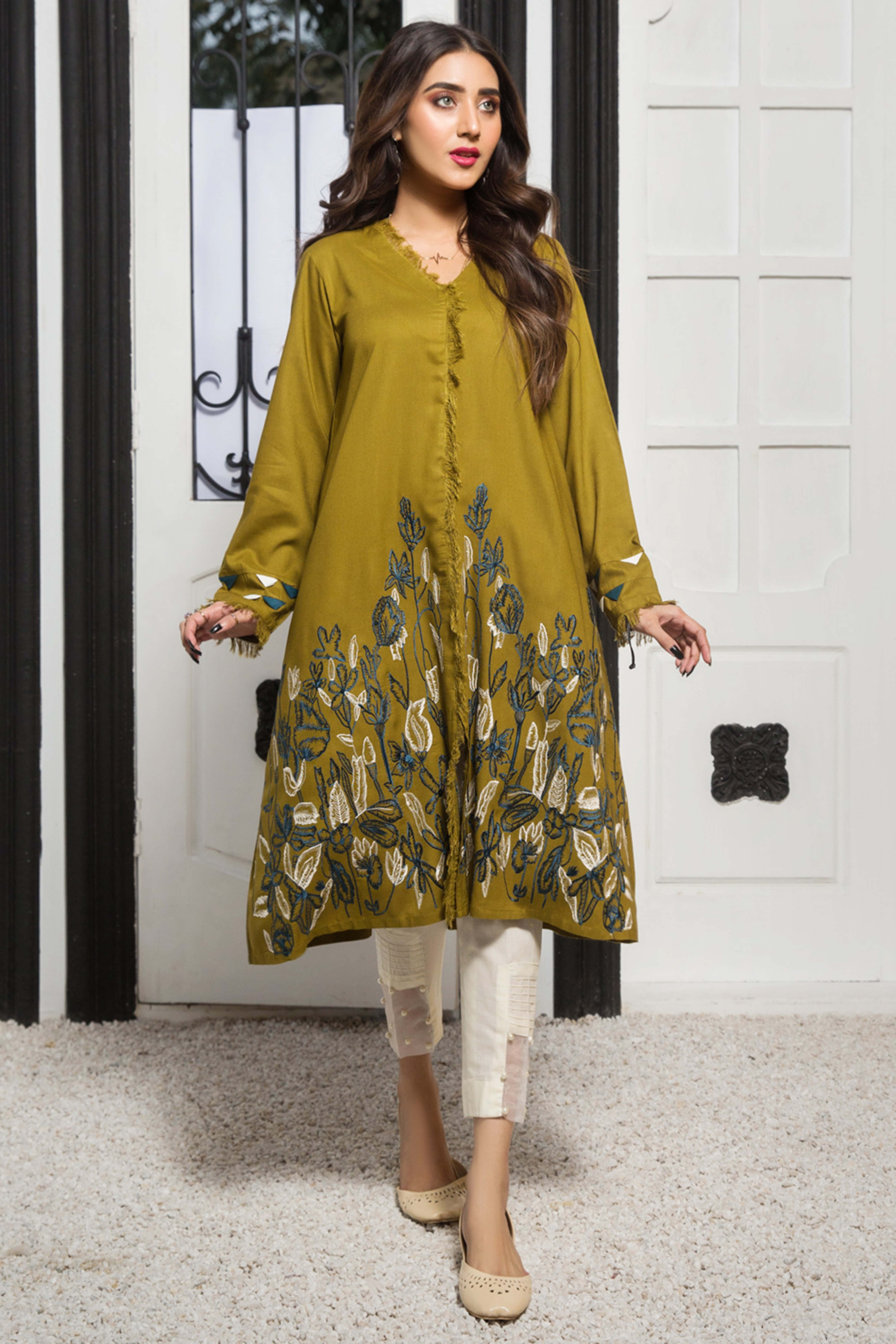 APPLE CARAMEL(Embroidered Frock)