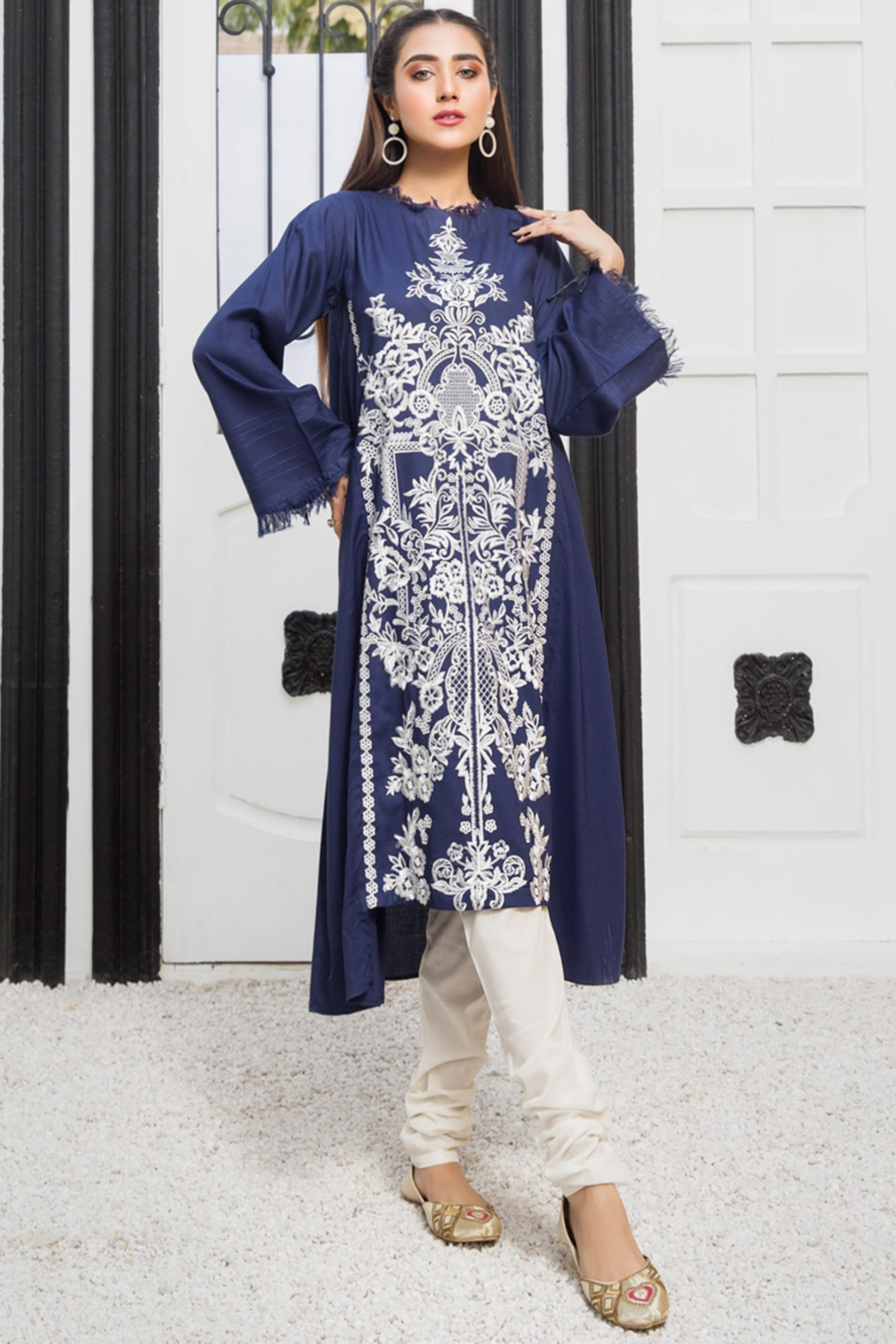 MODERN MUSE(Embroidered Frock)