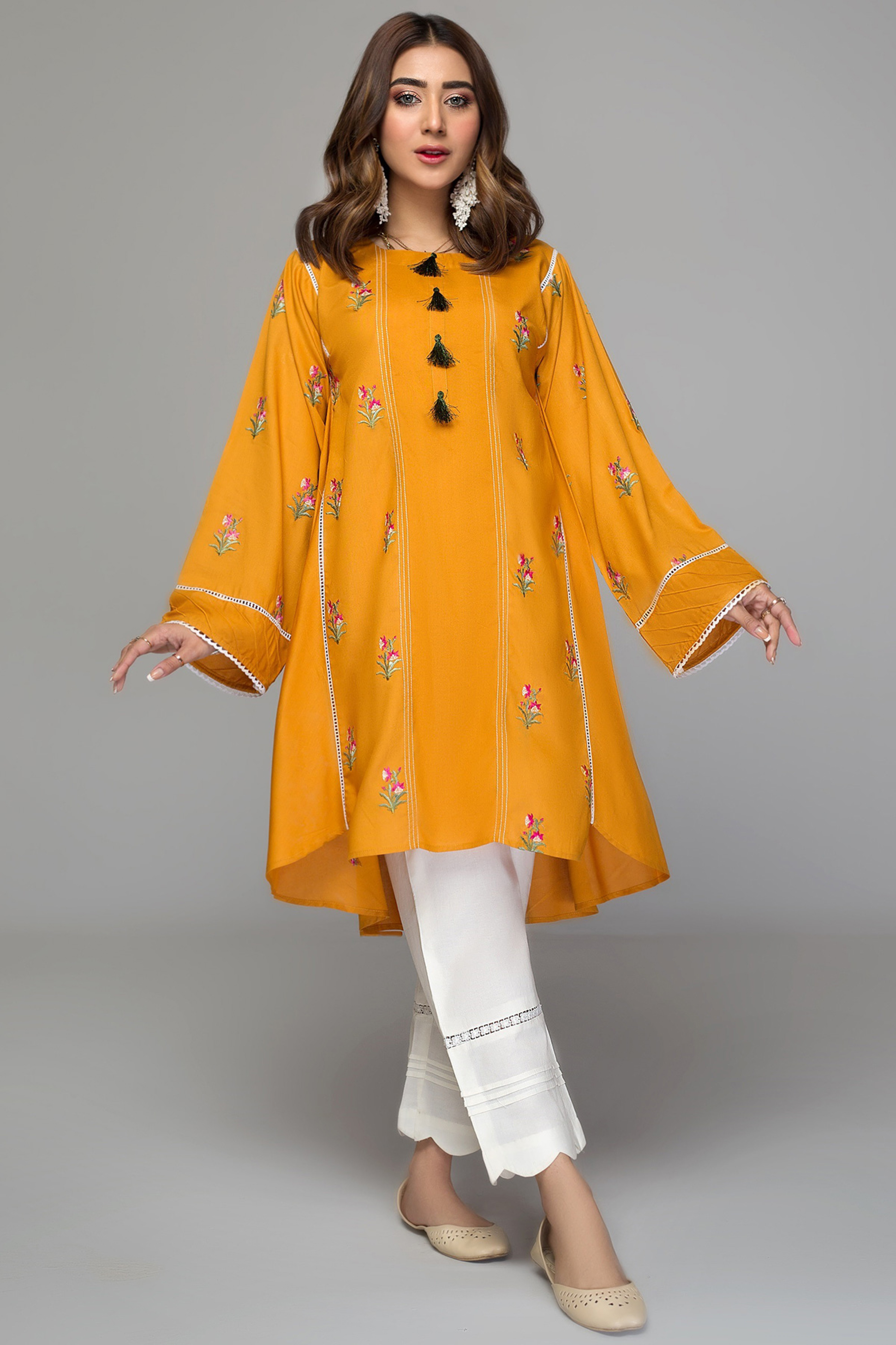 SUSAN(Embroidered Frock)