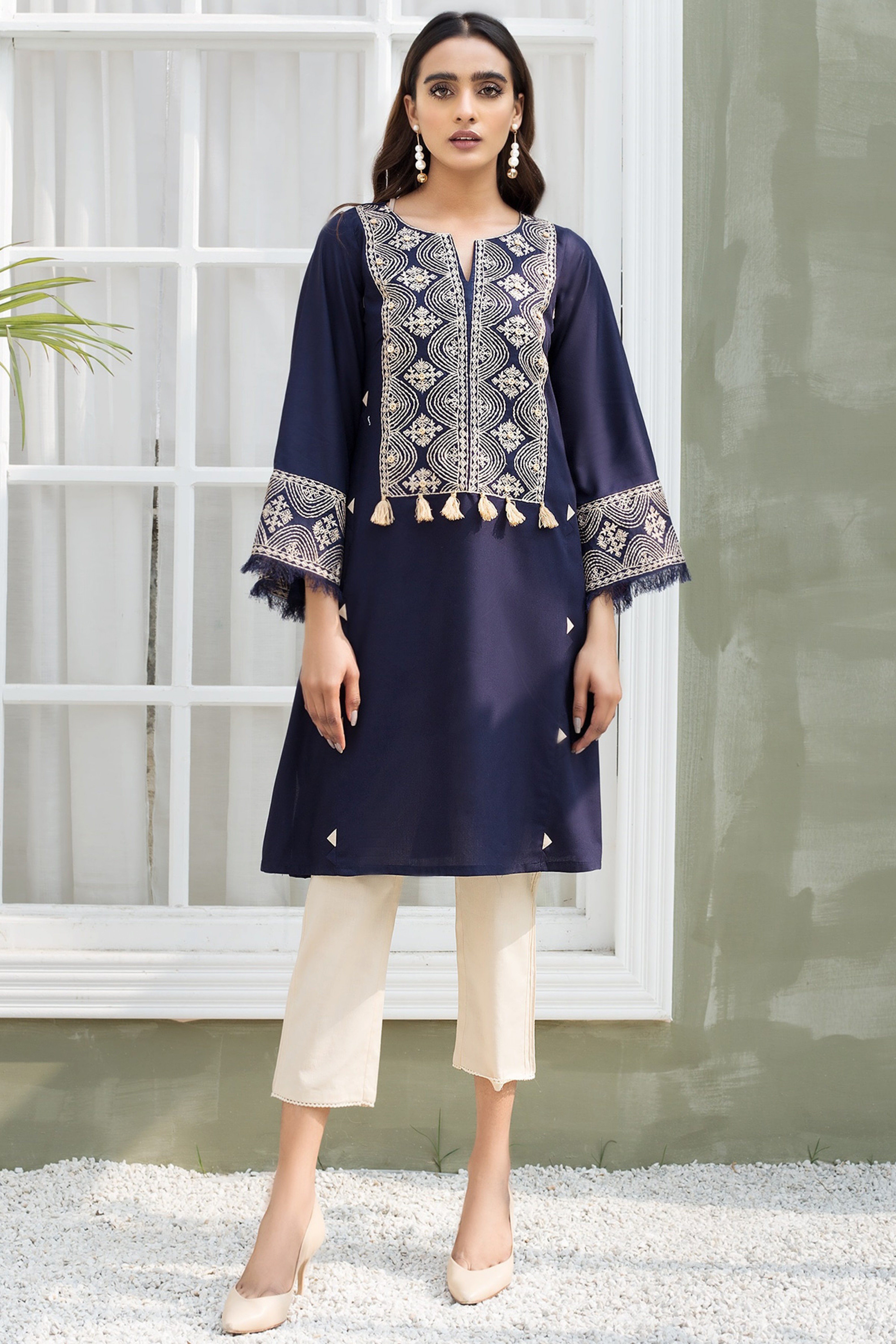 ASTER(Embroidered Shirt)