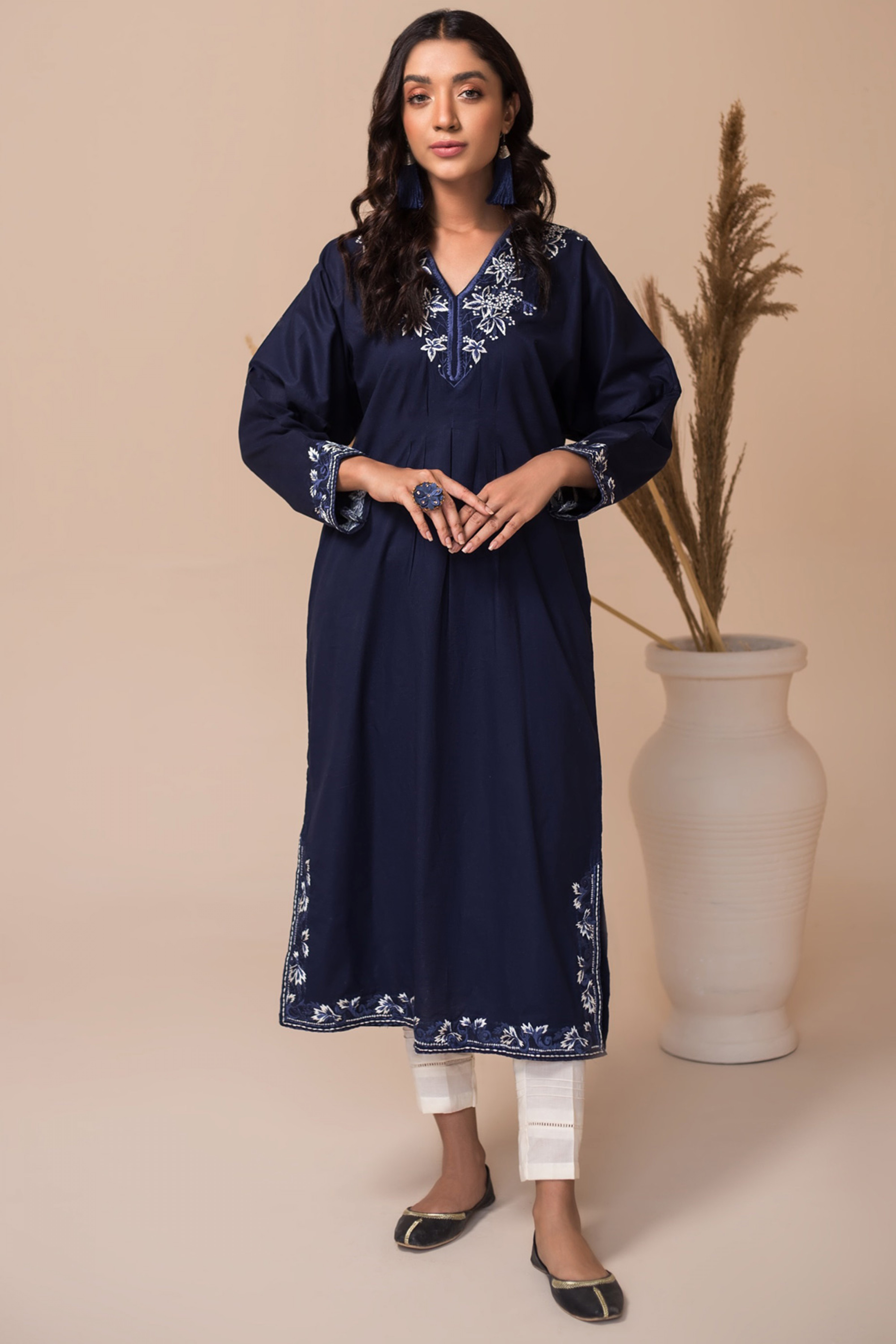 APATITE(Embroidered Long Shirt)